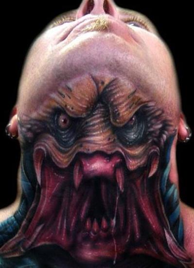 Obcy Predator Tatuaż