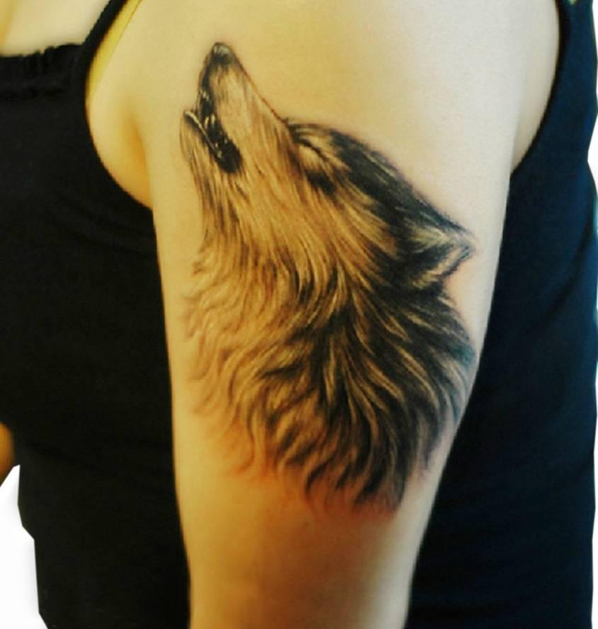 Wyjący Wilk Tatuaż