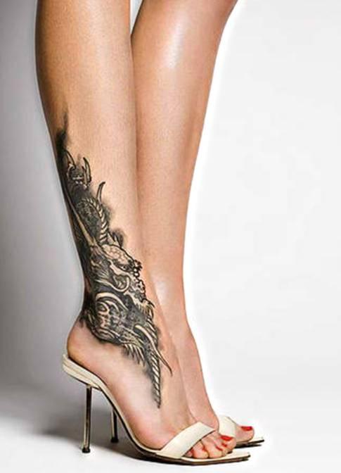 Mały Smok Tatuaż Nad Kostką
