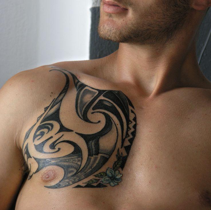 Projekt Tatuażu Na Klatce Piersiowej
