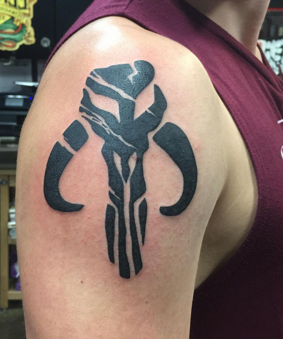skull symbol tattoo