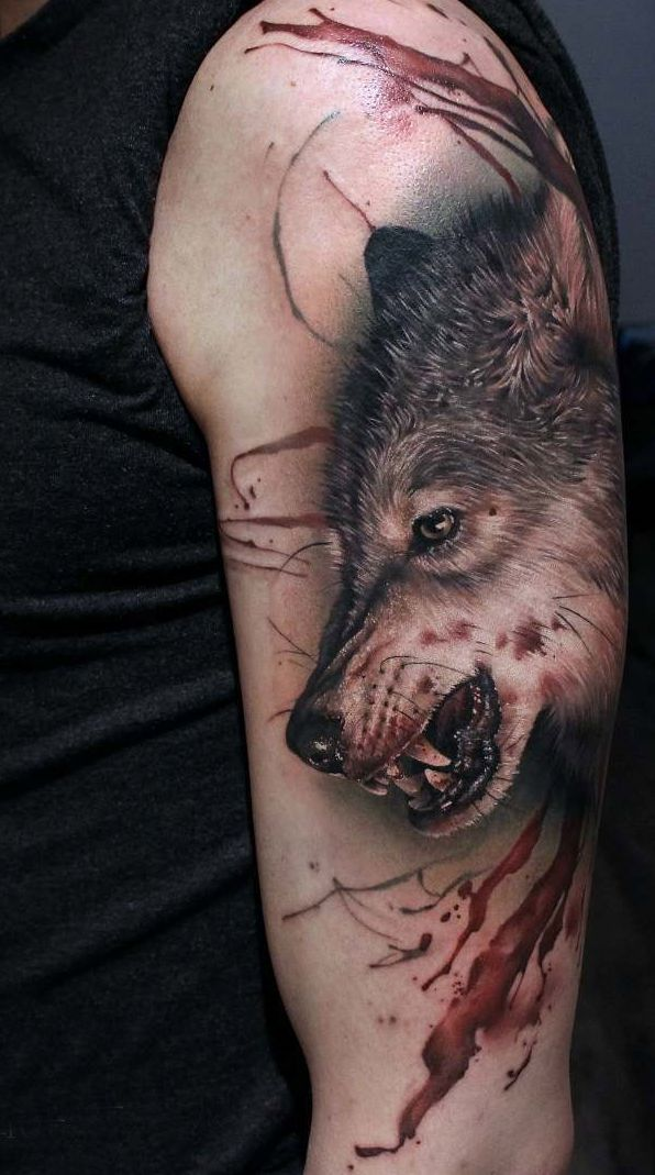Tattoo bloody wolf