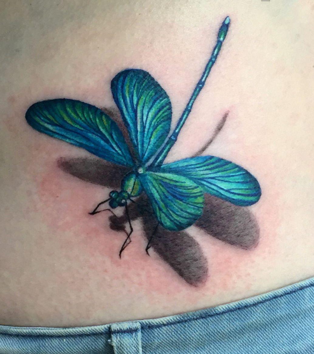 Ważka Tatuaż Na Brzuchu