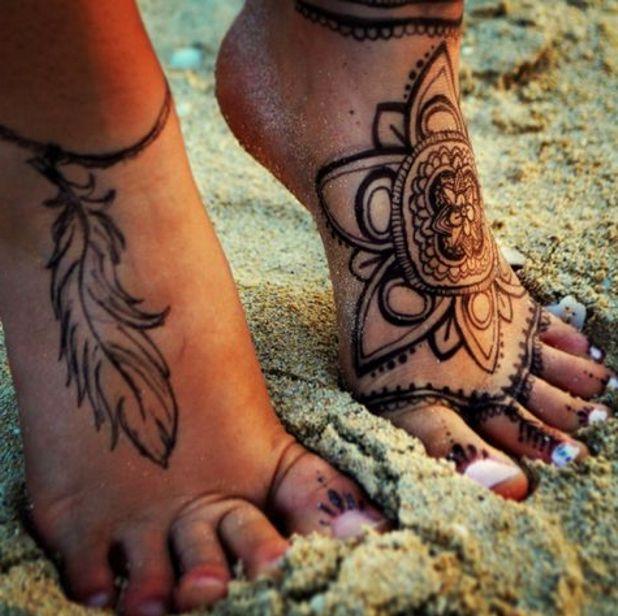 Tatuaże Na Stopach Pióra